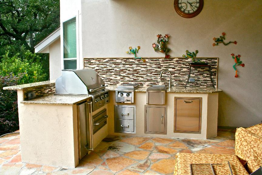 Installing a Decorative Patio in Your Backyard